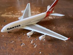 """Dragon Qantas Airbus A380 """"VH-OQA"""" (55582)"""