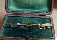 Vintage Bar Brooch antique peridot and seed pearl 15 carat Yellow gold