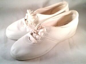 Grasshoppers White Comfort Size 11 W  Walking Shoes EH05000