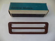 1974-1975 OLDSMOBILE 88/98 NOS RH FRONT SIDE MARKER/HAZARD WARN.BEZEL GM 415814