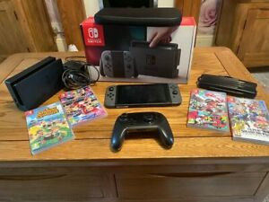 Nintendo 345272 Switch 32GB Console with Pair of Joy-Con - Grey