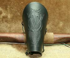 Armschienen Bogenstulpe Leder schwarz Keltische Prägung Bogenschützen Bogensport