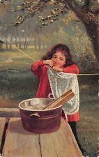 # M1847   CHILD WASHING CLOTHES      POSTCARD,