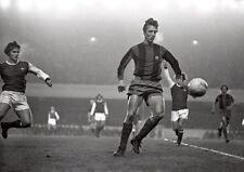 Johan Cruyff and Pat Rice Highbury in 1974 BW POSTER