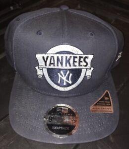 Official New Era New York Yankees Basic Black & White 9Fifty Snapback Cap - NEW!