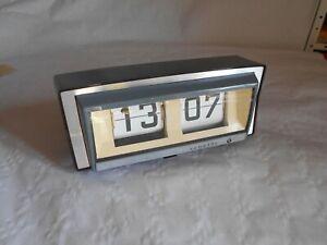 Vintage flip clock Vedette french 1970s working