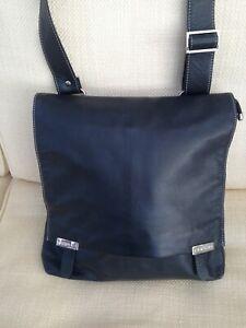 UNISEX EXTRA LARGE BLACK BUTTERSOFT LEATHER FERCHI MESSENGER BAG LONG rp£125.00