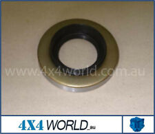 For Toyota Hilux LN106 LN107 LN111 Diff Pinion Seal - Front / Rear