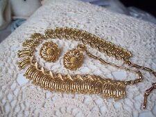 LISNER Vintage Goldtone Necklace & Earring Set Demi Parure