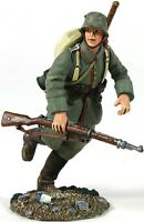 W Britain 23058 German Infantry Pioneer Running WWI 1/30 Scale Toy Soldier