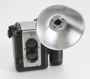 ARGUS 75, WITH ARGUS FLASH UNIT, USES 620 FILM/174024