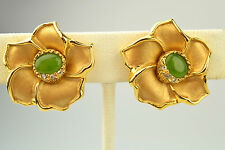 VINTAGE FAUX GREEN JADE & RHINESTONE ACCENT FLOWER CLIP EARRINGS MATTE FINISH