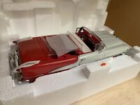 Danbury Mint 1955 Oldsmobile Super 88 Convertible 1/24 Diecast Red and White