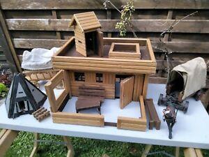 Wild-West-Fort, Haus, Planwagen, für 7cm Elastolin-Figuren gebaut