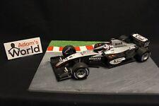 Minichamps McLaren Mercedes MP4-18 2003 1:18 #6 Kimi Raikkonen (FIN) (F1NB)