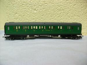 Composite Corridor Coach 5117 SR Green Hornby No R.486 '00' Light Use, 1981-1983