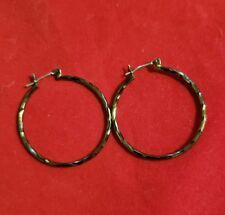 BLACK THIN WIRE LOOP EARRINGS WITH TWISTED METAL DESIGN