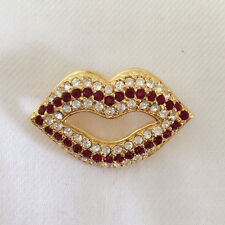 New Red Gold Plated Lovely Sweet Makeup Mouth Lip Kiss Brooch Pin Gift BR01119