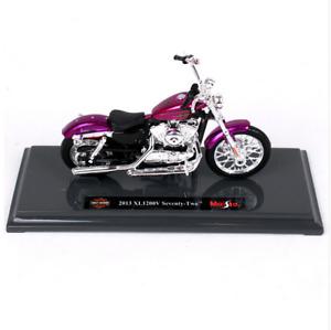 Brand new Maisto 1:18 Harley-Davidson 2013 XL 1200V 72 motorcycle model with box
