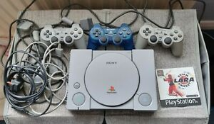 SONY PLAYSTATION 1 PS1 CONSOLE / Tested Working & 3 Controller's, leads + 1 Game