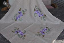 hübsche  Mitteldecke Tischdecke Handarbeit Blüten wie Orchideen
