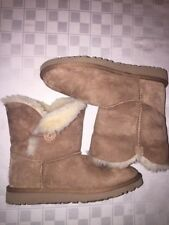UGG Australia Bailey Button Boots Short CHESTNUT 5991Y Youth 5
