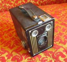 Vtg BROWNIE TARGET SIX-20 BY KODAK  Box Camera Untested