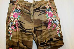 NWT Johnny Was JWLA biya 3J Workshop Embroidered Imani Camouflage Shorts XS