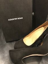 Country Road Ladies Black Genuine Suede Shoe Size 39 RRP $179.00