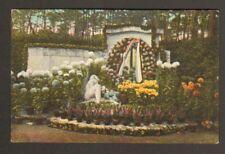 GRIESHEIM (67) MONUMENT orné de fleurs à la TOUSSAINT