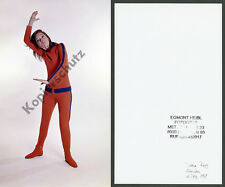 Or. photographie en couleur diana rigg Emma peel Avengers karaté studio Munich James Bond 1969