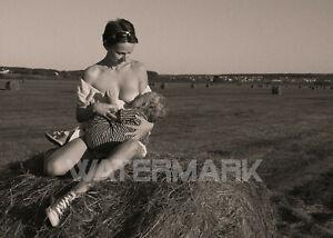 Pinup Photo Mother Son Breastfeeding Model Risque Original Paper 15*21 cm