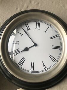 Beautiful Wall Clock for Kitchen or Hallway.