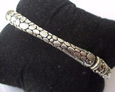 bracelet bijou vintage couleur argent semi- rigide déco peau serpent gravé 561