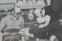Disneyland 200,000,000 Guests Schelvis Family Walt Disney Cast News Photos 1981