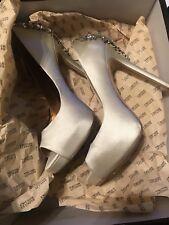 badgley mischka maxine lvory bridal heels size 6