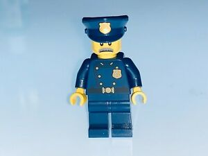 LEGO POLICE OFFICER WITH MOUSTACHE FROM THE MODULAR POLICE STATION 101278 -NEW