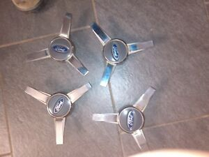 05 09 Ford Mustang spinner wheel center caps v6 GT 2005 2006 2007 2008 2009 USED