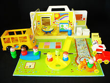 VINTAGE FISHER-PRICE LITTLE PEOPLE NURSERY SCHOOL HOUSE COMPLETE + EXTRAS!