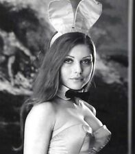 Debbie Harry UNSIGNED photograph - L2961 - As a Playboy Bunny, 1964 - NEW IMAGE!