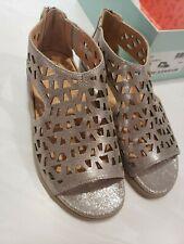 "Ziera ""Ivory"" Silver Metallic 39W Leather Sandal"