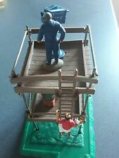 1/32 Scalextric TV Tower à great condition plus SRA Figure