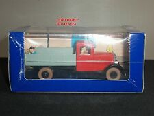 TINTIN NO.36 BOOK COMIC BLUE LOTUS DIECAST MODEL CLASSIC RED TRUCK + FIGURE