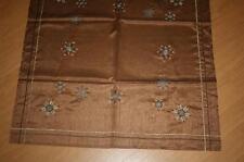 Quadratische Tischdecken mit Weihnachts-Muster fürs Esszimmer