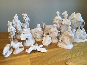 "PORCELAIN NATIVITY SET 17 PIECE WHITE GLOSSY,TALLEST FIGURE IS 7-1/2"" CHRISTMAS"