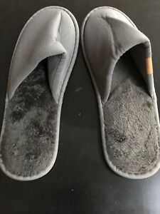 Emirates FIRST CLASS SLIPPERS LARGE New & Sealed