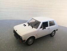 Modellino auto scala 1:43 Yugo 45 diecast