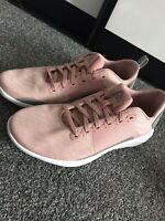 Ladies Reebok Trainers in Pink English Size 7 Used Once Astroride