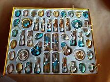 Figurines en bois - neuf