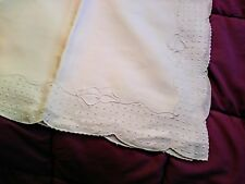 Gorgeous Madeira Fine White Linen Bow & Dot Design Embroidered Tablecloth 431/2